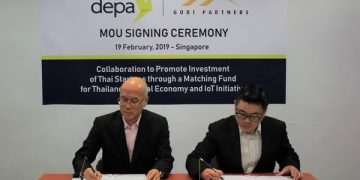 Dr. Passakon Prathombutr, Senior Executive Vice President of depa (left) with Dan Chong, COO of Gobi Partners (PHOTO from depa)