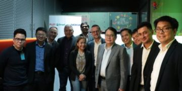 Smart and PLDT executives Joachim Horn, Chaye Cabal-Revilla, Ricky Vargas, Mario G. Tamayo with counterparts from Nokia Philippines led by Andrew Cope during the 5G-SA video call trial conducted in Makati City.