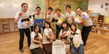 Team Hachi Tama celebrates the toletta® smart litter box.