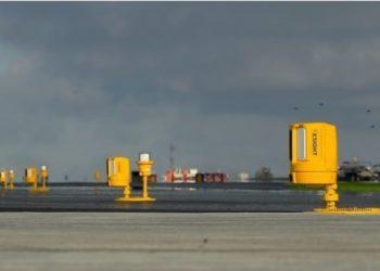 Xsight Systems' sensors deployed along the runway (PRNewsfoto/Xsight Systems Ltd.)