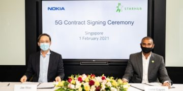 Jae Won, senior vice president for mobile networks for Asia Pacific, Nokia (left) and Nikhil Eapen, chief executive, StarHub (right) during the 5G contract signing ceremony on February 1, 2021.